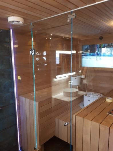Saunan Lasiseinä www.laseja.fi